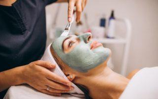 kozmetika és bőrápolás zsíros bőr esetén
